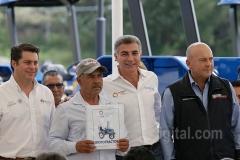 Tony Gali entrega apoyo al campo Aguacate 11