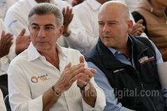 Tony Gali entrega apoyo al campo Aguacate 8